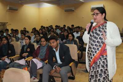 Intellective Workshop On: 'Communicative Skills and Soft Skills'